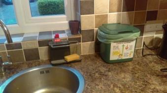 Food caddy kitchen 2